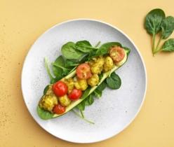 Gevulde courgette met gnocchi en cherrytomaten