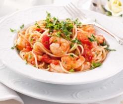 Spaghetti met verse tomaten en scampi - Zlim recept